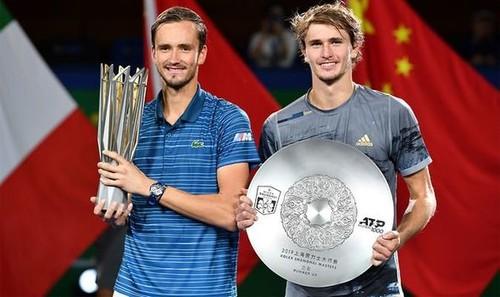 Итоговый турнир ATP. Медведев снова одолел Зверева