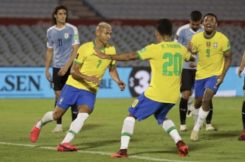 Бразилия взяла верх над Уругваем, Парагвай и Боливия разошлись миром