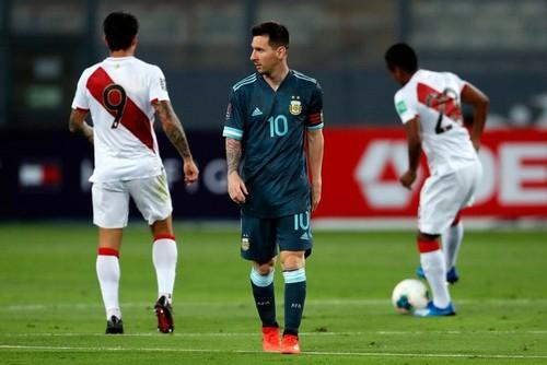 Впереди лишь Бразилия. Аргентина выиграла у Перу и вышла на 2-е место