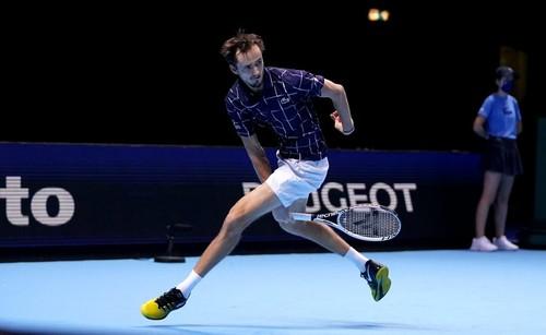 Итоговый турнир ATP. Третья победа Медведева, третье поражение Шварцмана