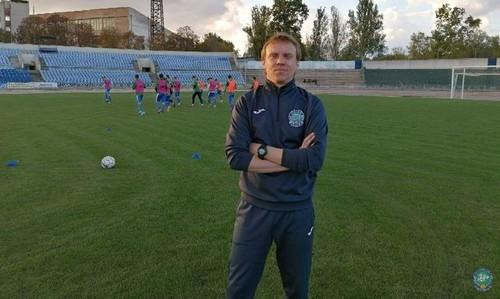 Аутсайдер Первой лиги остался без главного тренера