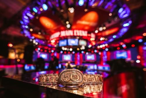 WSOP определит чемпиона: побороться за браслет и $1 млн  можно за 50 центов