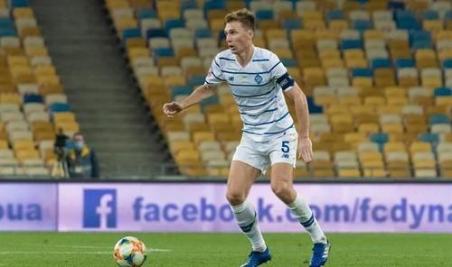 УАФ отстранил Сидорчука на три матча за грубый фол на Корниенко