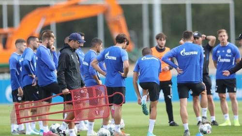 Футболисты Шальке вернулись к тренировкам