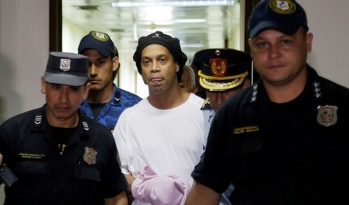 Роналдіньо через коронавірус ризикує надовго застрягти в тюрмі Парагваю