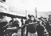 ФОТО. Игроки Наполи вышли на матч ЛЕ в футболках Марадоны