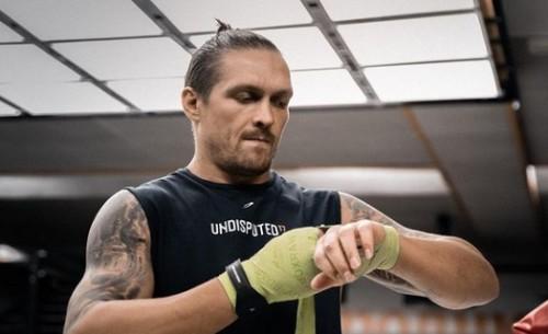 Промоутер Усика: «Будемо тиснути, щоб провести бій за титул WBO»