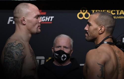 UFC: Энтони Смит – Девин Кларк. Смотреть онлайн. LIVE трансляция