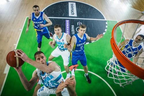 Сборная Украины, провалив первую четверть, проиграла Словении