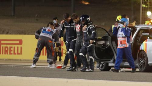 ФОТО. Жуткая авария на Гран-при Бахрейна: пожар и разбитый болид
