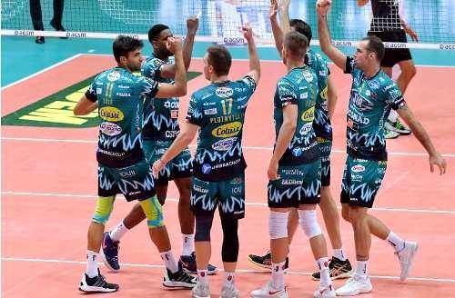 Украинские волейболисты играют важную роль в европейских чемпионатах