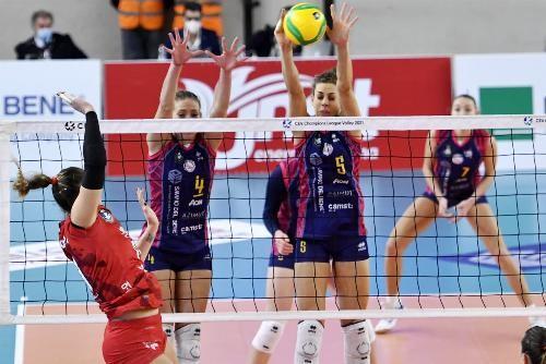 Еще в одной группе женской Лиги чемпионов начались игры первого круга
