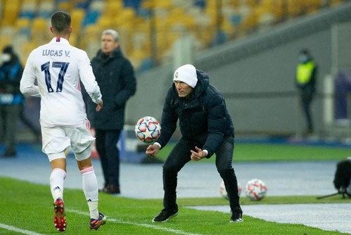 ЗИДАН: «Мяч не хотел идти в ворота, попал в штангу. Надо двигаться дальше»