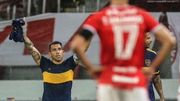 ФОТО. Тевес забил мяч и почтил память Марадоны, надев его футболку