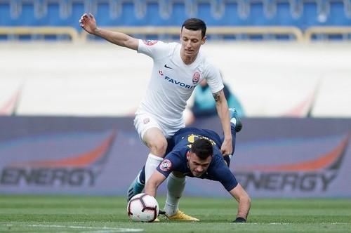 Заря – Днепр-1: прогноз на матч Юрия Бакалова