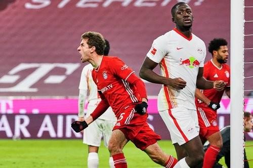 Перестрелка в Мюнхене. Бавария и Лейпциг сыграли в результативную ничью