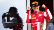 Мик Шумахер в драматичной гонке выиграл титул Формулы-2