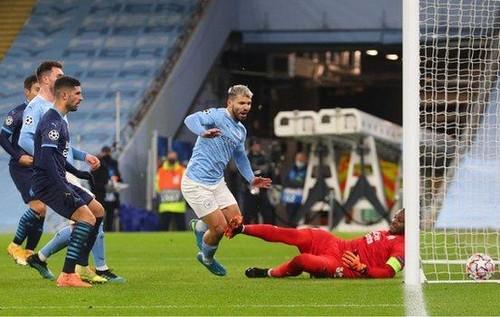 Манчестер Сити – Марсель – 3:0. Зинченко в плей-офф. Видео голов и обзор