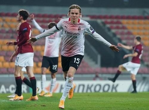 Спарта — Милан — 0:1. Видео гола и обзор матча