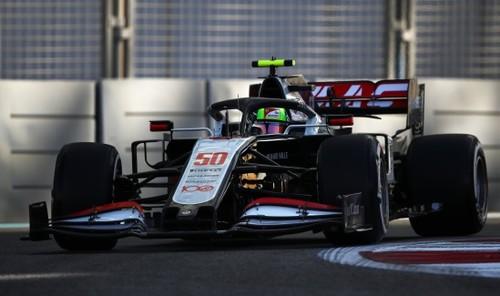 Пятница на Гран-при Абу-Даби. Дебют Шумахера, возвращение Хэмилтона