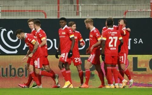 Бундеслига. Бавария теряет очки, Боруссия Д пропускает 5 голов