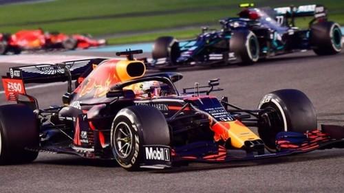 Ферстаппен выиграл финальную гонку сезона Ф-1 в Абу-Даби