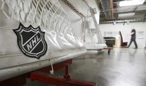 НХЛ хочет вакцинировать всех игроков до старта сезона