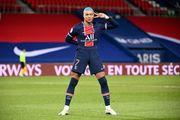 ПСЖ вышел на второе место, обыграв Лорьян благодаря голам Мбаппе и Кина