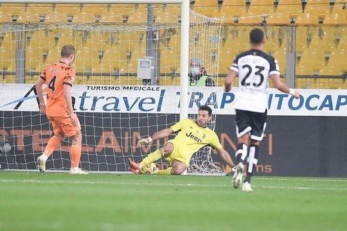 Парма – Ювентус – 0:4. Видео голов и обзор матча