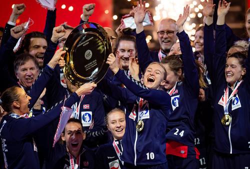 Норвегия выиграла женский Евро-2020 по гандболу, обыграв Францию в финале