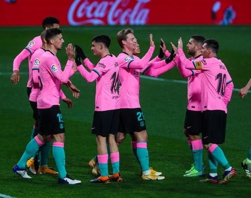 Стабильное продвижение на вершину. Барселона уверенно обыграла Вальядолид