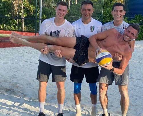 Как футболисты УПЛ отпуск проводят