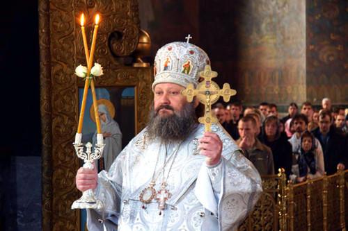 Спалах у Лаврі. Захворів митрополит, який закликав ігнорувати карантин