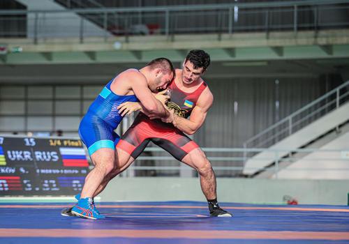 В марте украинские борцы будут бороться за олимпийские лицензии