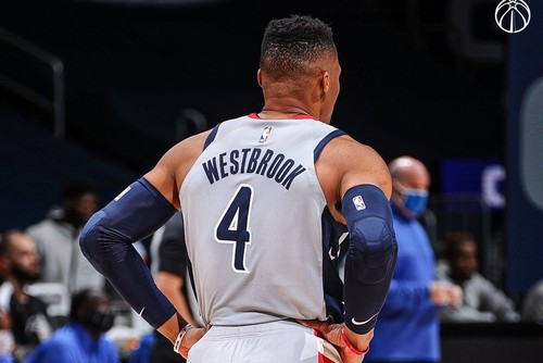 ВИДЕО. Уэстбрук оформил второй трипл-дабл подряд и установил рекорд НБА