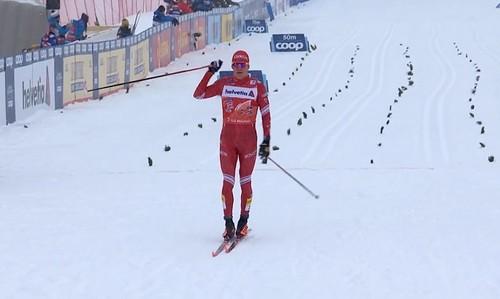 Тур де Ски. Большунов уверенно выиграл масс-старт