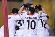 Милан победил Беневенто и стал единоличным лидером в Италии