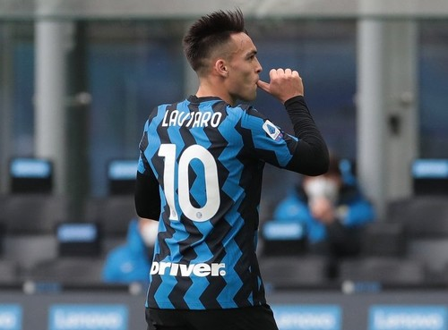 Интер благодаря хет-трику Мартинеса разбил Кротоне