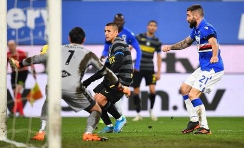 Сампдория — Интер — 2:1. Видео голов и обзор матча