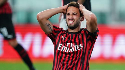 Чалханоглу хочет зарабатывать в Милане 7 млн евро в год