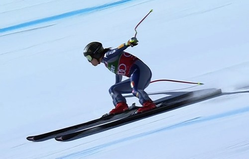 Горные лыжи. Годжа деклассировала соперниц в скоростном спуске