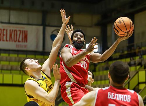 Прометей разгромил Киев-Баскет в центральном матче Суперлиги