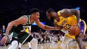 НБА. 67 очок від Джеймса і Девіса допомогли Лейкерс обіграти Мілуокі
