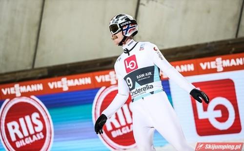 Прыжки с трамплина. Норвегия выиграла командный турнир в Осло