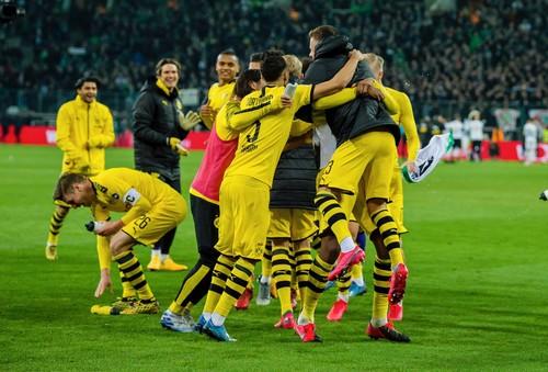 Боруссия из Дортмунда победила одноклубников из Менхенгладбаха