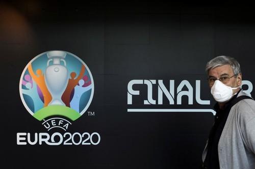 УЕФА не уменьшит количество городов, принимающих Евро-2020