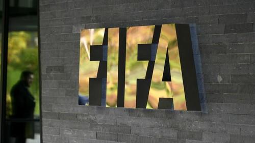 Источник: ФИФА разрешила украинским клубам пересматривать зарплаты игроков