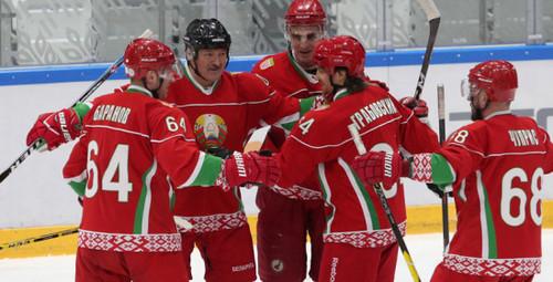 Команда Лукашенко и его сына выиграла любительский хоккейный турнир