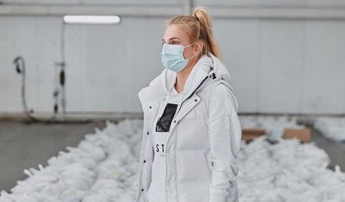 ВИДЕО. Ястремская стала супергероем, который сражается с коронавирусом