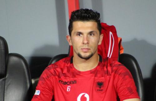 Заре интересен албанский вратарь Сельмани из Менеменспора